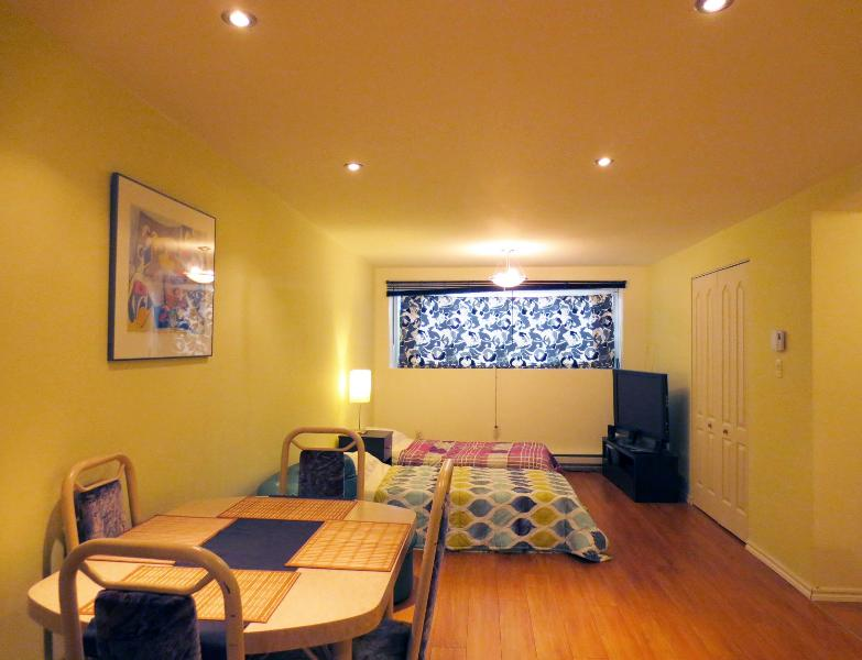 Dining room & bedroom - New modern studio in green area - Montreal - rentals