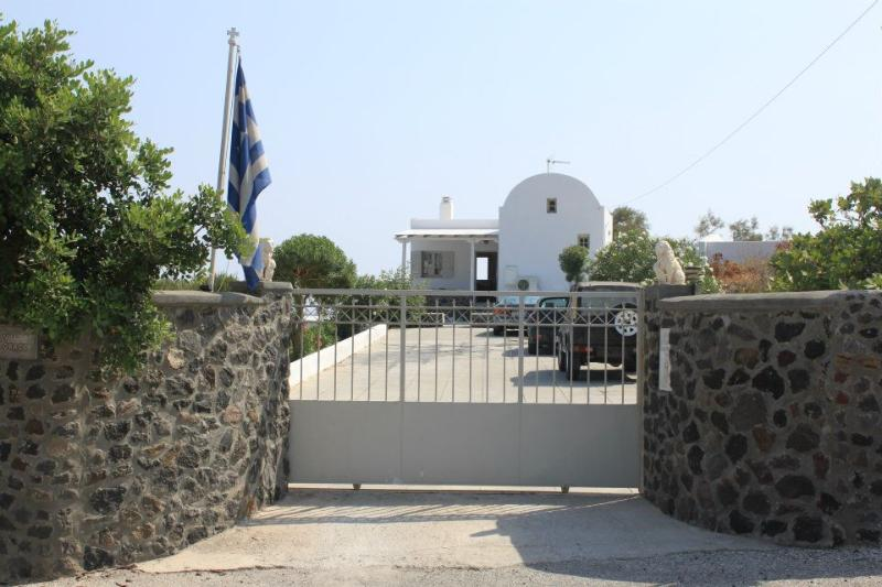 GRACE VILLA UNIT FOR 8 (entrance) - Grace Villa Unite for 8 - Tholos - rentals
