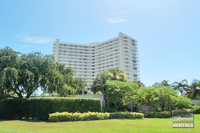 The views are breathtaking from this top floor condo - Image 1 - Marco Island - rentals