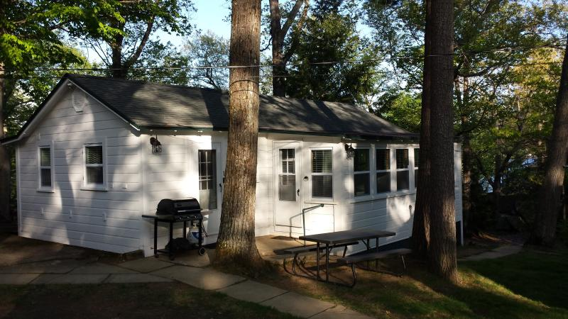 Cozy Cottage with all the amenities of home - #1 Cozy Lake Winnipesaukee Cottage & Large Sandy Beach - Laconia - rentals