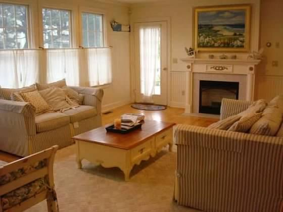 4 bdrm ocean views, 2 houses from private beach 114431 - Image 1 - Martha's Vineyard - rentals