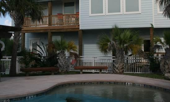 247RO9-In Town Retreat - Image 1 - Port Aransas - rentals