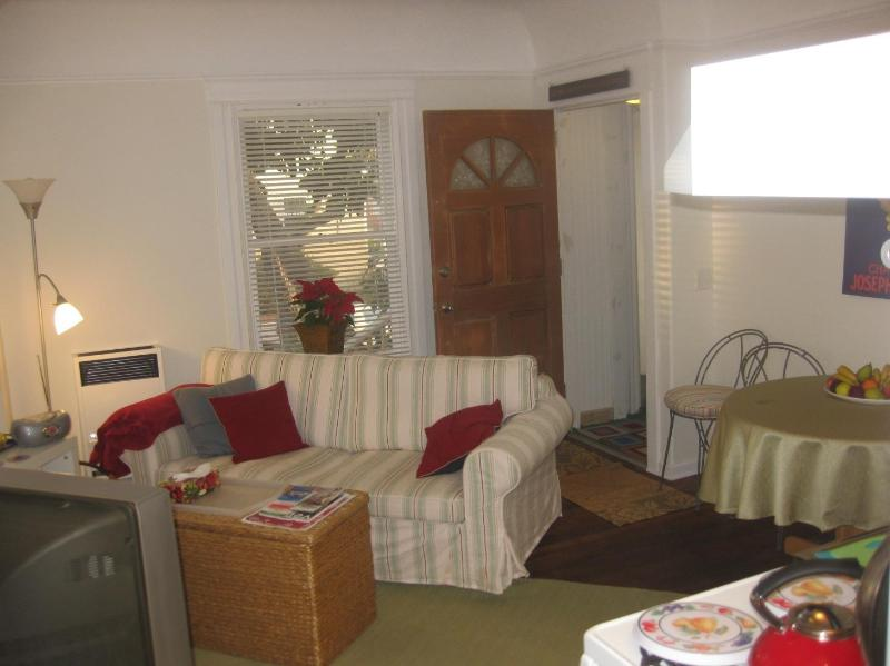 Cool One Bedroom by the Beach! - Image 1 - Santa Monica - rentals