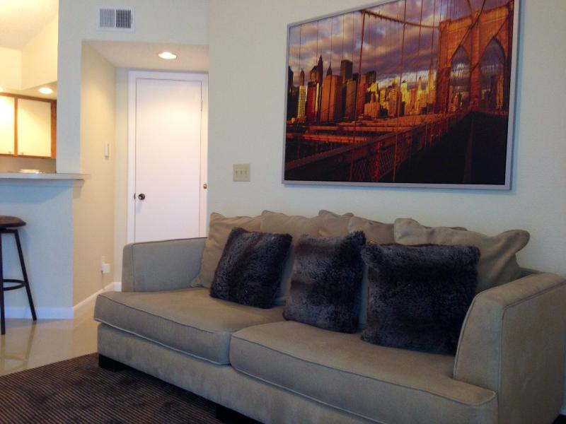 CONTEMPORARY STYLE - NEW APARTMENT AT SAWGRASS MALL PLANTATION, FL - Plantation - rentals