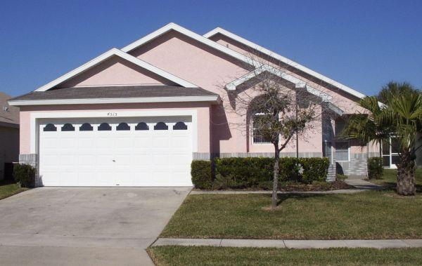 Front view of our family home - Fabulous 4 bedroom, 3 bathroom family home - Kissimmee - rentals