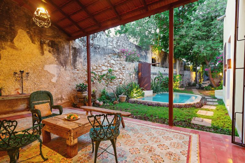 Spend your evenings on the rear terrace planning your next day's adventure - A must see stunner of colonial history and charm - Merida - rentals
