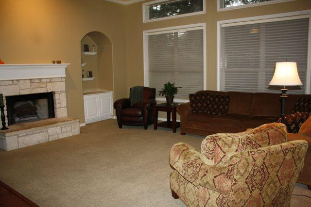 Cozy living room with fireplace - Spacious and Convenient Southwest Austin Home - Austin - rentals
