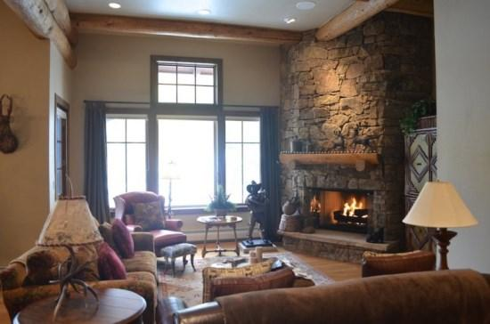 Spacious Living Room with Fireplace - Amazing 4BR Bear Paw Lodge Penthouse, Ski In/Ski Out in Bachelor Gulch with Access to Ritz Carlton - Beaver Creek - rentals
