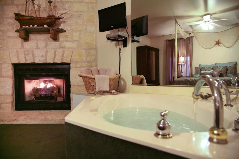 Jacuzzi in Room - The Cypress Room located at Full Moon Inn B&B - Fredericksburg - rentals