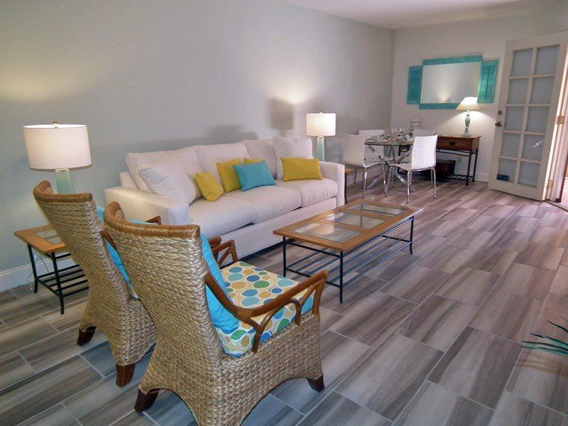 Living Room Looking to Patio - Deauville One Bedroom #510 - Palm Springs - rentals