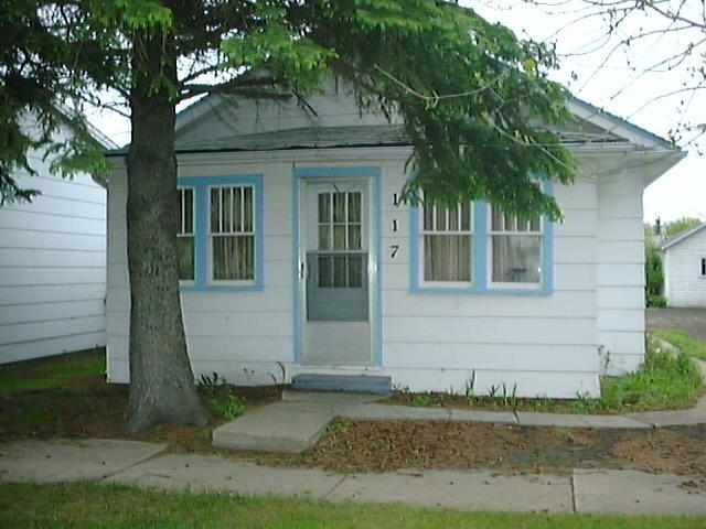 Cottage Front - Canora Rental Cottage - Canora - rentals