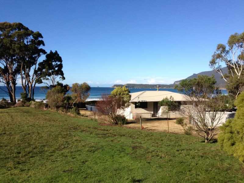 Eaglehawk Neck Beach House - Image 1 - Eaglehawk Neck - rentals