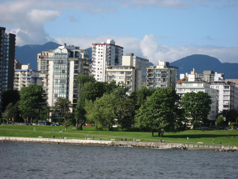 View of condo and neighborhood from Kitsalano - Choice West End Condo with View of English Bay - Vancouver - rentals