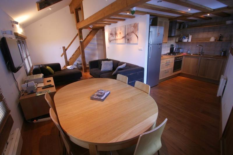 Old Library ski apartment Argentiere, Chamonix: open plan living area - Chamonix ski apartment close to lifts - Argentiere - rentals