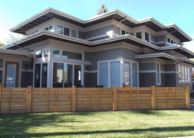 You will be bathed in the light - Frank Lloyd Wright's design in this amazing home in downtown Bend - Bend - rentals