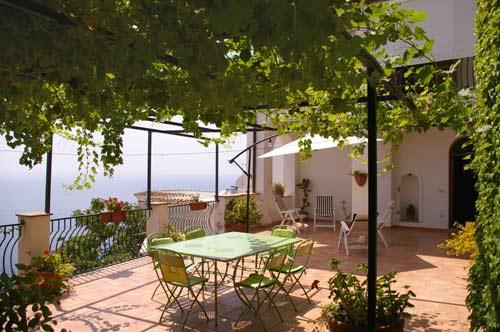 large terrace overlooking the sea equipped with table and chairs  - Casa san Luca In Praiano panoramic end spacious house - Praiano - rentals