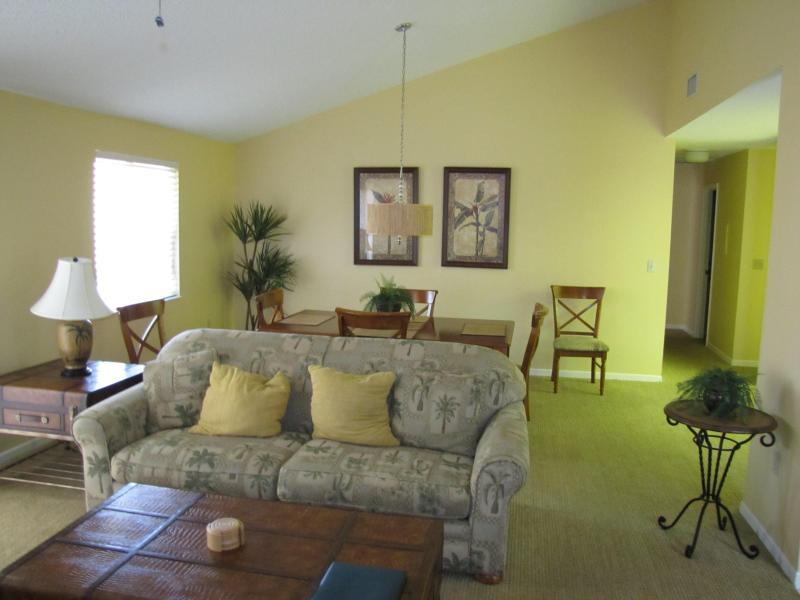 Spacious living area with pull out couch - Luxurious vacation rental sleeps 6 - Mulberry - rentals