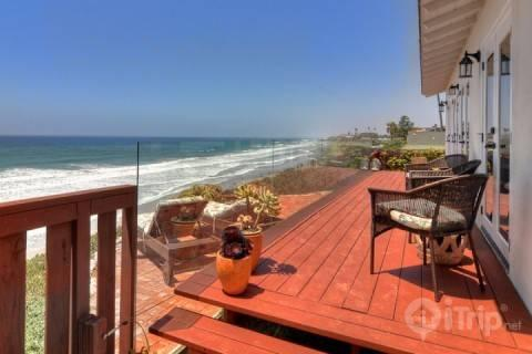 Relax on the deck - Ocean Breezes at Our Romantic Cottage - Encinitas - rentals