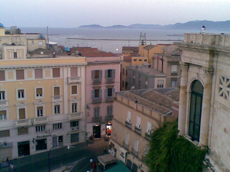 The palace seen from Bastione di Saint Remy - Cagliari - Charming studio apartment Saint Remy - Cagliari - rentals