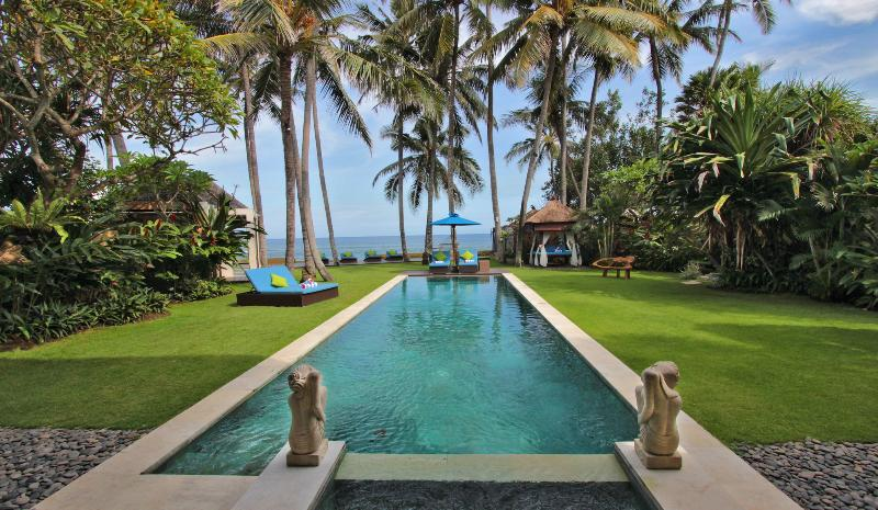 Swimming Pool - Villa Samudra Luxury Beachfront - Ketewel - rentals