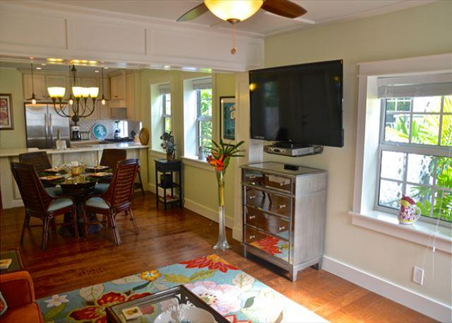 Living Room Looking Past the Great View and Flat Screen TV Through to the Dining and Kitchen Areas - Paradise Palms - Monthly - Key West - rentals
