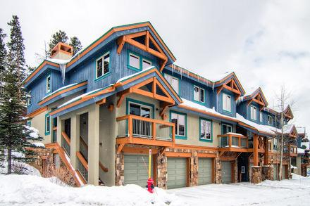 OUTSIDE - BRECKENRIDGE LUXURY CONDO 3BR/3BA SLEEPS 9 - Breckenridge - rentals