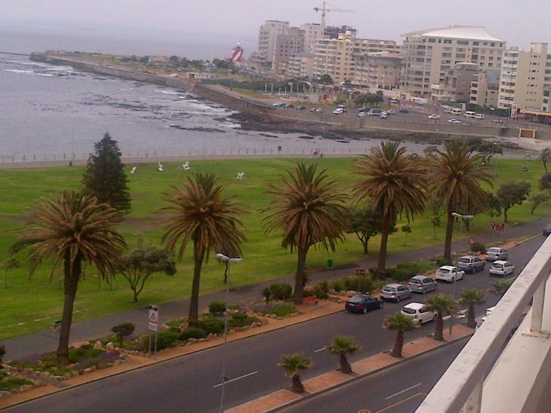 Beautiful Furnished Sea View Holiday Apartment - Image 1 - Sea Point - rentals