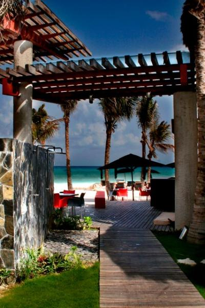 Near by a exclusive beach club - Prime location Seaview Luxe 2BDR w/Beach Club+Pool - Playa del Carmen - rentals