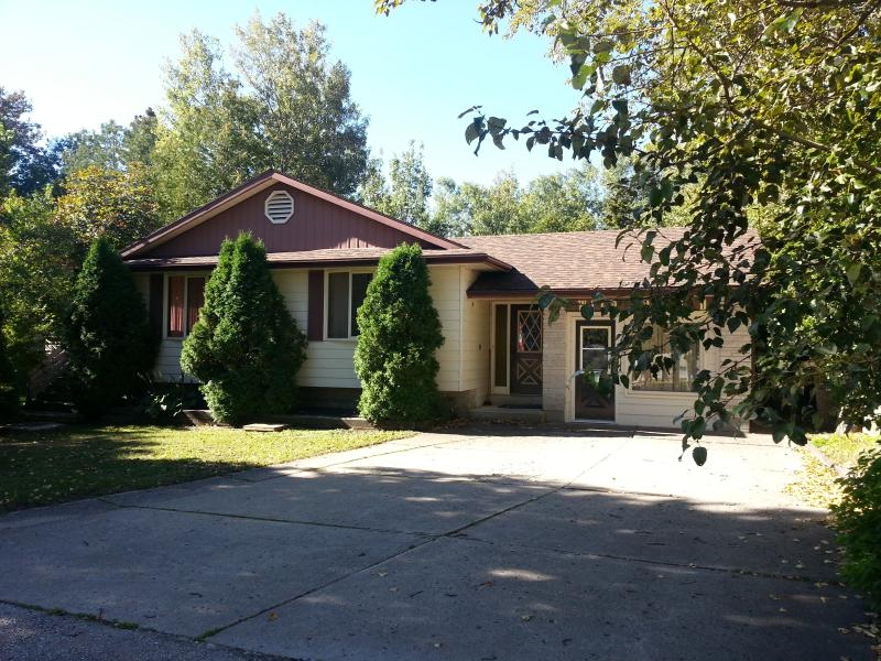 Front Yard - The Wild Orchid 1 - In Tobermory, Sleeps 14-22! - Tobermory - rentals