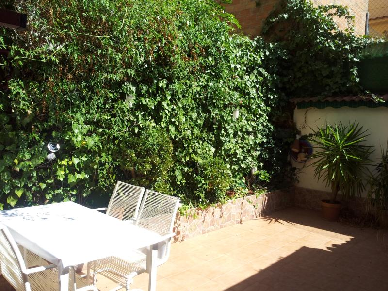 Private Green Terrace - *** Beach & Metro in Barcelona's Poblenou *** - Barcelona - rentals