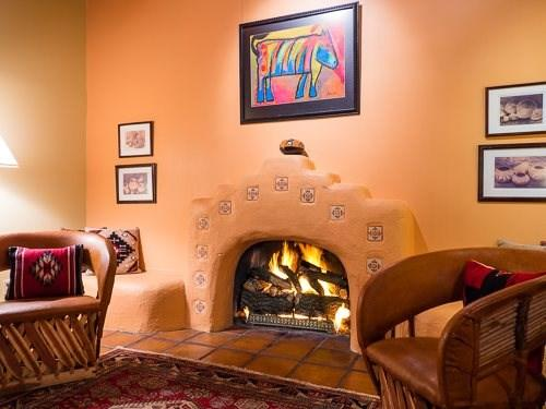 Living room fireplace - Felicidad -  6 blks to Plaza, Santa Fe Style Home - Santa Fe - rentals