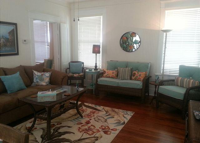 Beachside, Beachview, Wi-Fi, Off-Street Parking, Sleeps 6 - Image 1 - Galveston - rentals