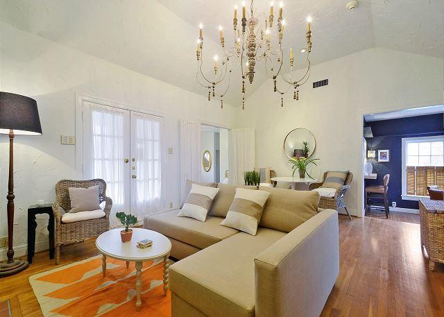 Connected Sides - 3BR/2BA Redone Duplex Ideal Vacation Location - Austin - rentals