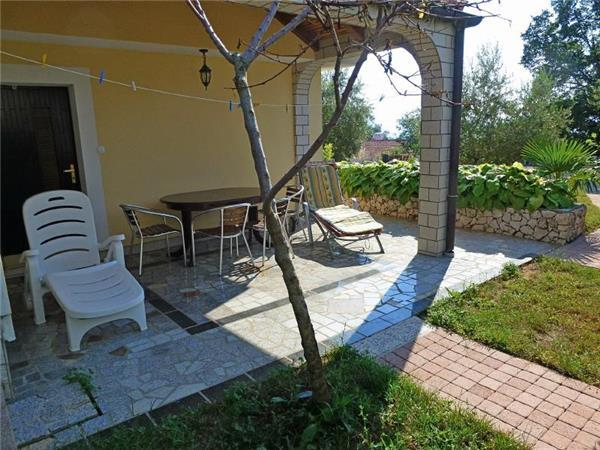Apartment for 10 persons in Krk - Image 1 - Njivice - rentals