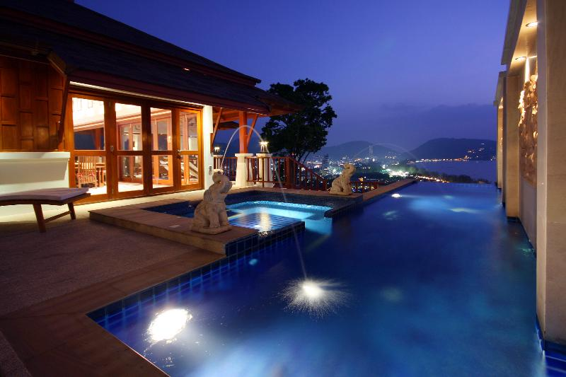 Plunge Pool, Jacuzzi, decking, Terrace - W8-Laelia, L'Orchidee Residences - Patong - rentals