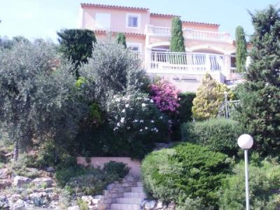 Nice 2 Bedrooms  Apartment in Les Issambres - Image 1 - Saint-Aygulf - rentals