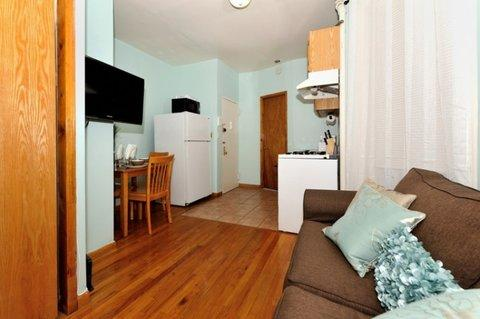 Comfortable 1 Bedroom Apartment #4RN ~ RA42975 - Image 1 - New York City - rentals
