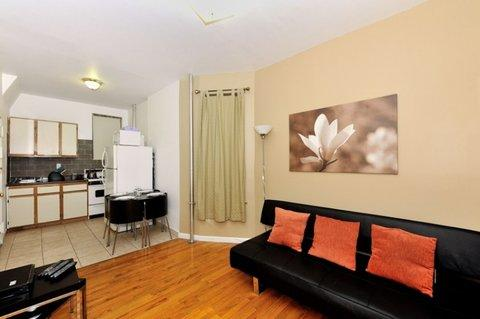 Quaint 1 Bedroom Apartment 2RN ~ RA42973 - Image 1 - New York City - rentals
