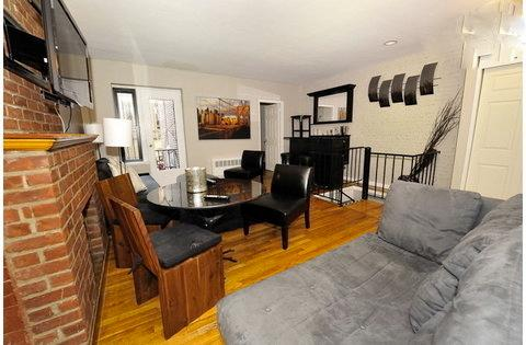 Stunning Apartment Comfortably Sleeps 6 B ~ RA42822 - Image 1 - Manhattan - rentals