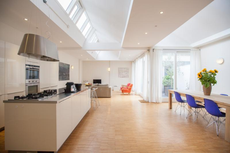 very bright, open living space - Bright Design Apartment in Centre | Artful Stay - Amsterdam - rentals