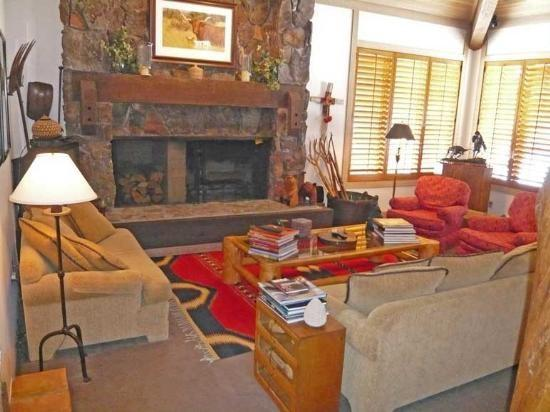 Weyyakin - 904 Cheyenne Court - Walk to the amenities!- Central Air Conditioning in Main House - Image 1 - Sun Valley - rentals