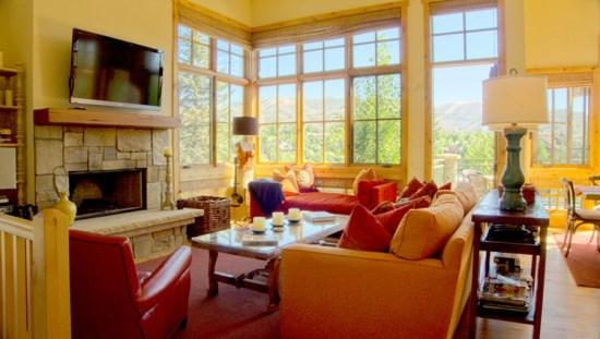 Living Room - Senabi Lane - #101 - Luxury Townhome in Elkhorn with Central Air Conditioning; - Sun Valley - rentals