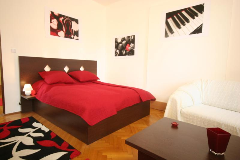 Central Studio With Balcony - Image 1 - Budapest - rentals