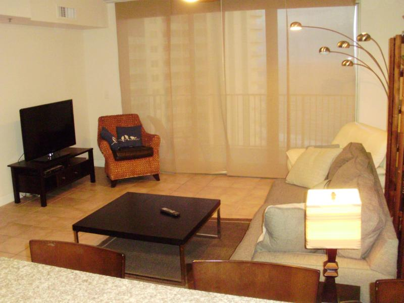 Living area - Shores of Panama 1 bedroom, ALL TILE, Great Deals! - Panama City - rentals