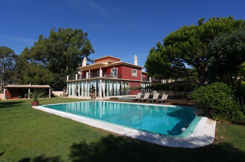 Vila Santa Eulália - 6 Bedroom - Private Pool & Jacuzzi - Sea Front View - Image 1 - Albufeira - rentals