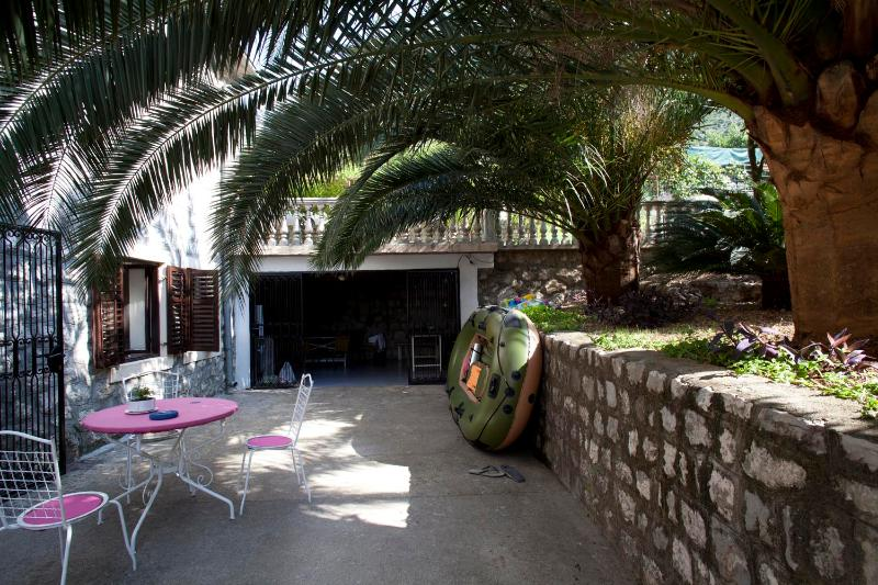 Outside area - Lovely apartment for rent, just 30 m from the sea - Kotor - rentals