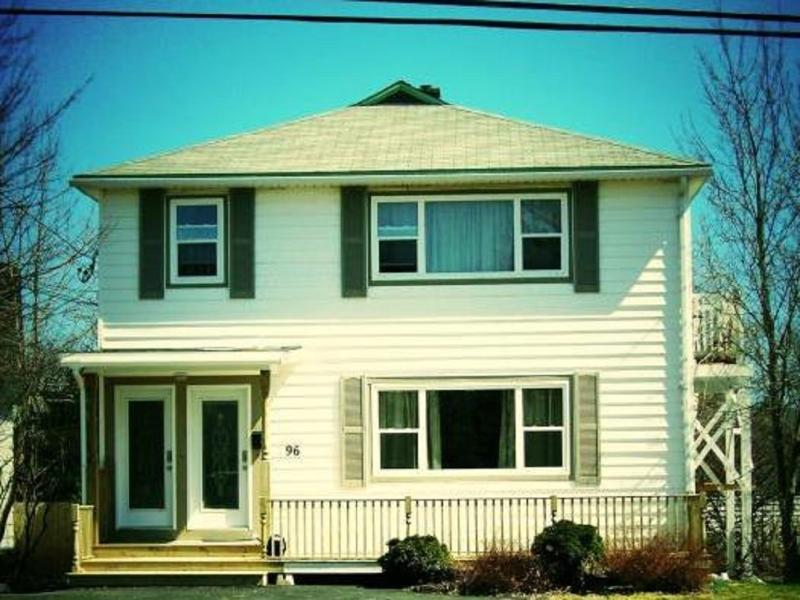 Portugal House - The Perfect Location  - Portugal House Unit 1 - Saint John's - rentals