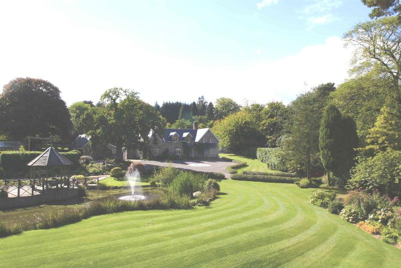 Main house in the distance - Widcombe Grange - Culmhead - rentals