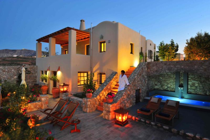 Property exterior - AN IDEAL CHOICE FOR FAMILIES - Santorini - rentals