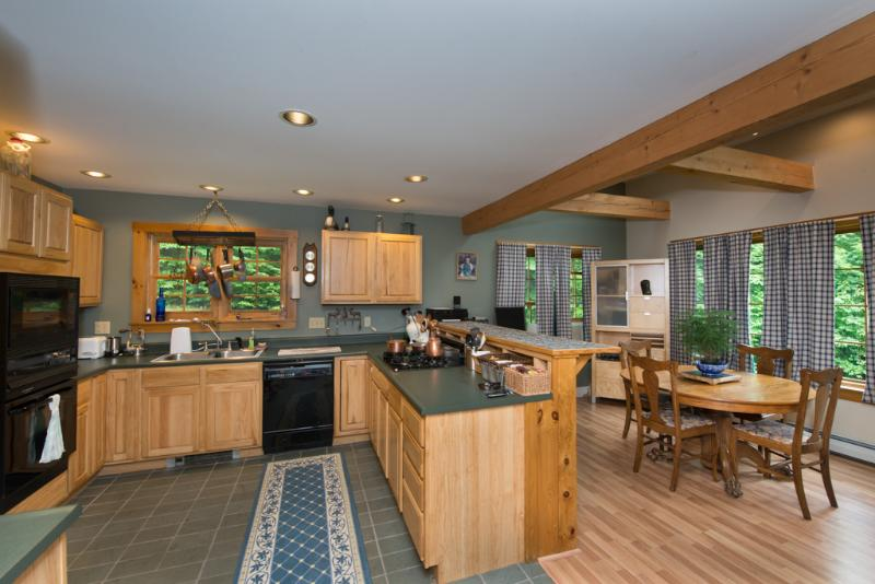Kitchen, Dinning room - Shepard Brook - Sugarbush Valley - rentals
